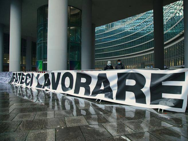 Lombardy red zone by mistake, who will pay the refreshments to the businesses that have closed? – Corriere.it